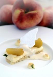 dessert PESCA SATURNIA, ROBIOLA, MANDORLA E ANICE